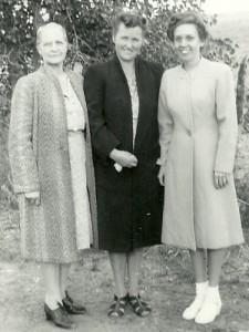 Nellie DeGood Knox, Nettie Noyes Knox, Helen Knox